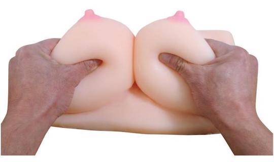 Horny Miki Bakunyu Paizuri Breasts