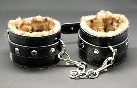 Fuwa Fuwa Leopard Handcuffs