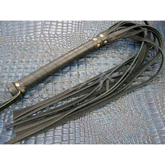 Tennosuke Nine-Strand Leather Flogger